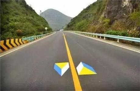 【万博万博体育官网智能】道路上少见的万博manbetx官方登陆指示牌,驾驶员你认识吗?