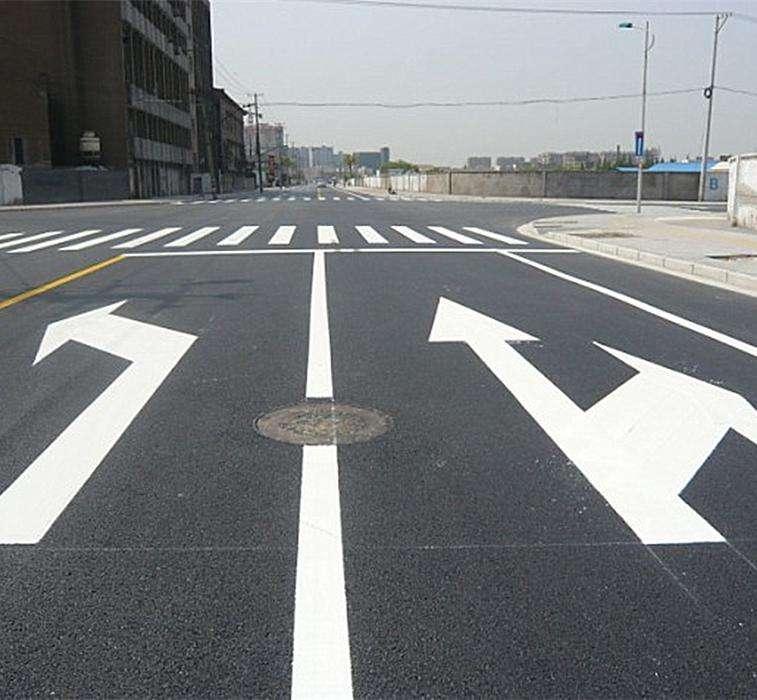【新手上路】路上的万博manbetx官方登陆标线哪条能压?新手上路必读